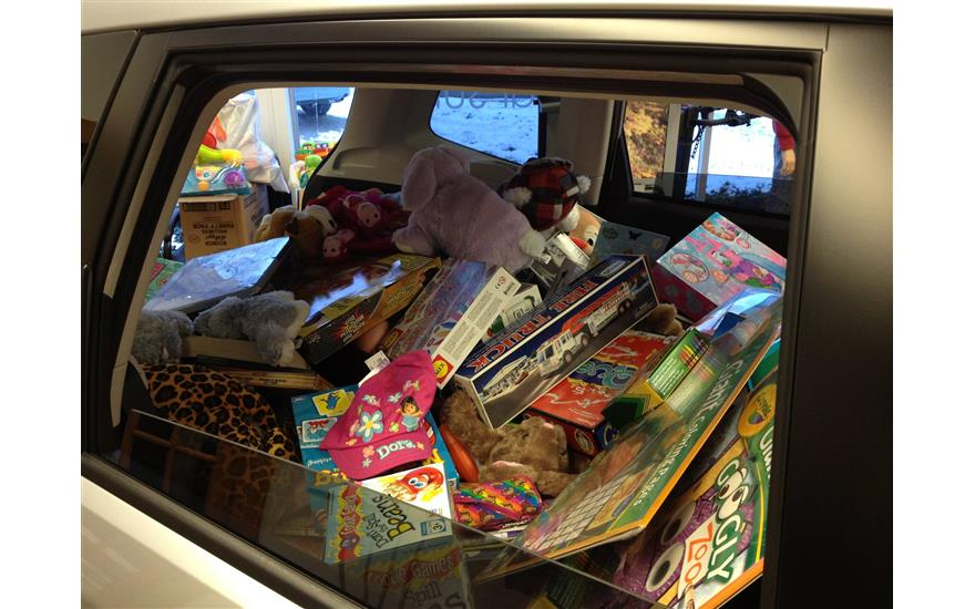 Five Star Subaru fills a Forester full of toys