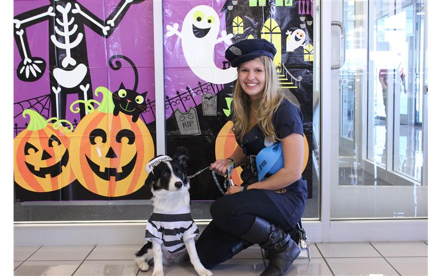 Howl-O-Ween pet chipping with Mark Miller Subaru