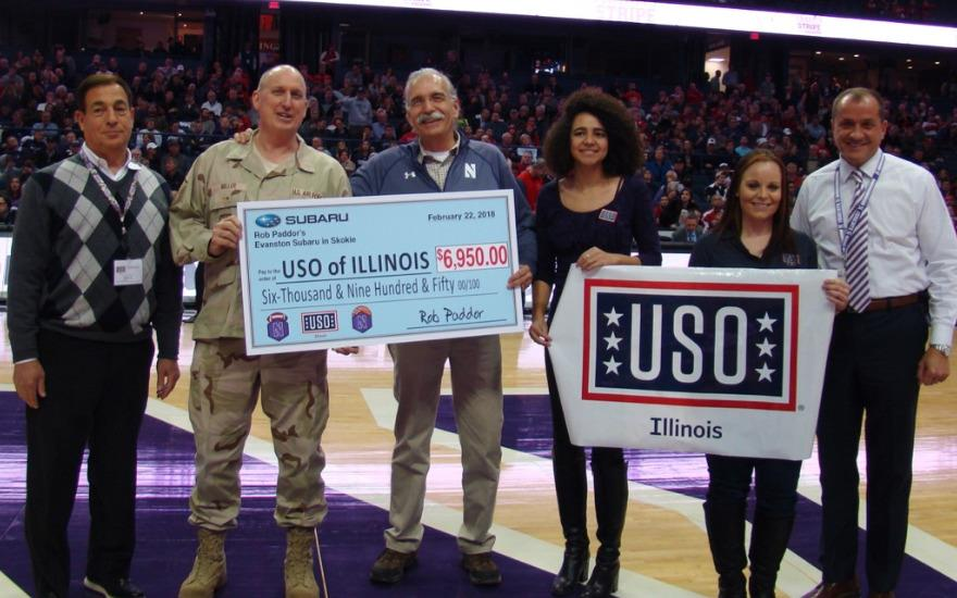 A Standand Ovation to the USO of Illinois
