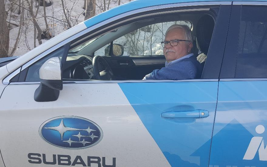 Subaru Delivers Meals to Appreciative Senior