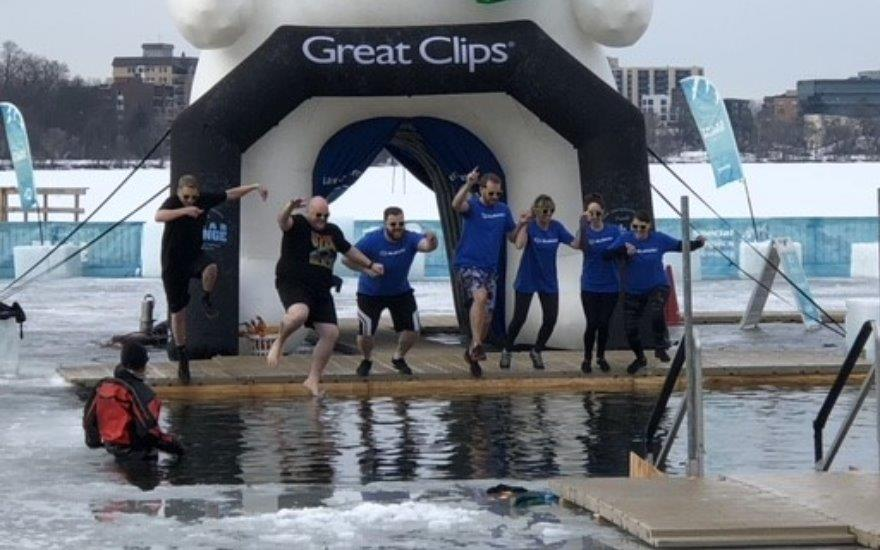 Bearing the cold - Polar Plunge 2018
