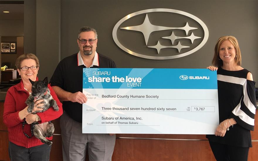 THOMAS DONATES TO BEDFORD COUNTY HUMANE SOCIETY