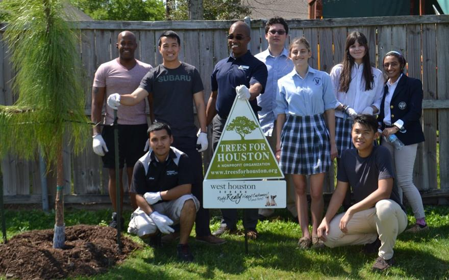 West Houston Subaru Plants Trees with Students