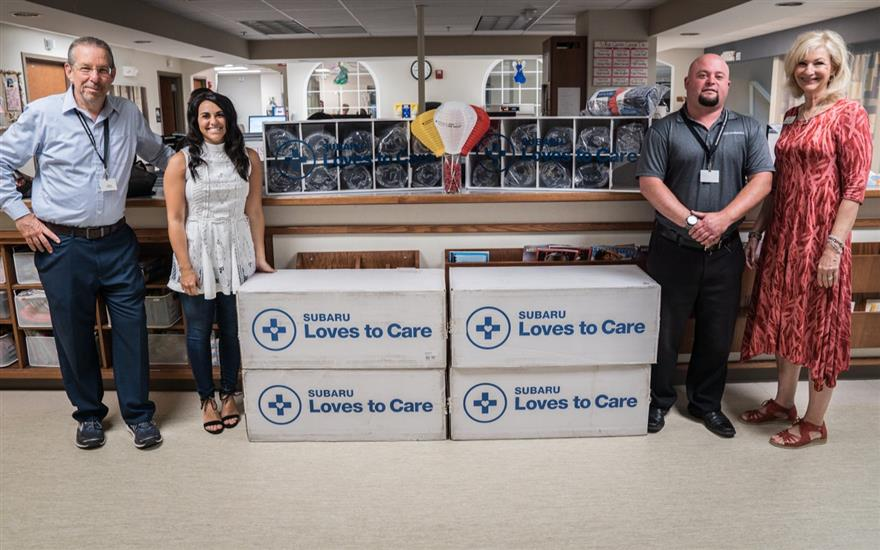 Subaru & LLS Deliver Blankets to Patients