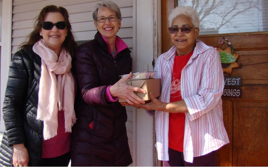 Meals on Wheels Gives Thanks to Evanston Subaru