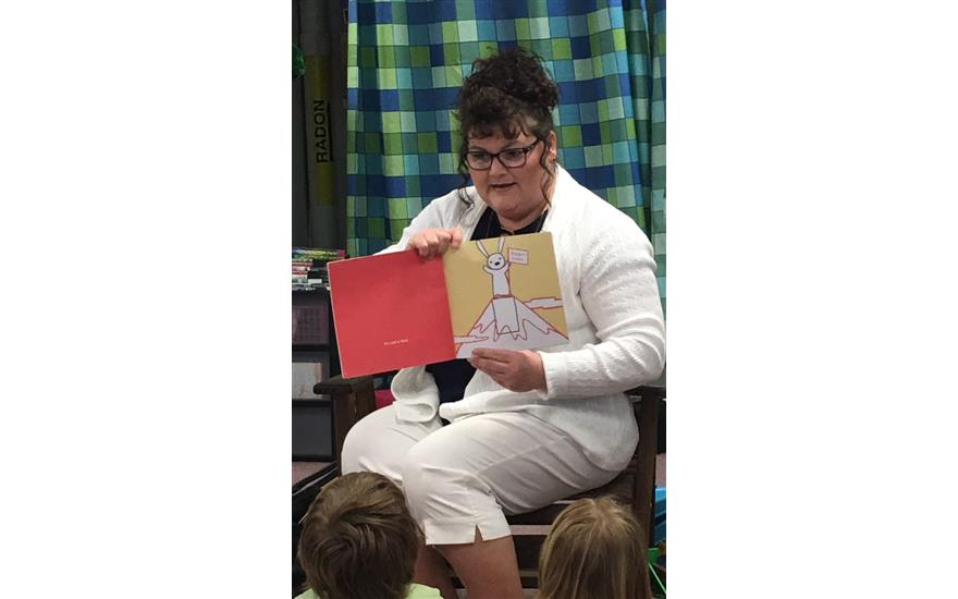 Tracey Reads to Mrs. Miller's Kindergarten Class