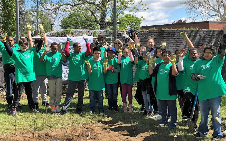 Mid Hudson Subaru Plants Trees in Newburgh Park