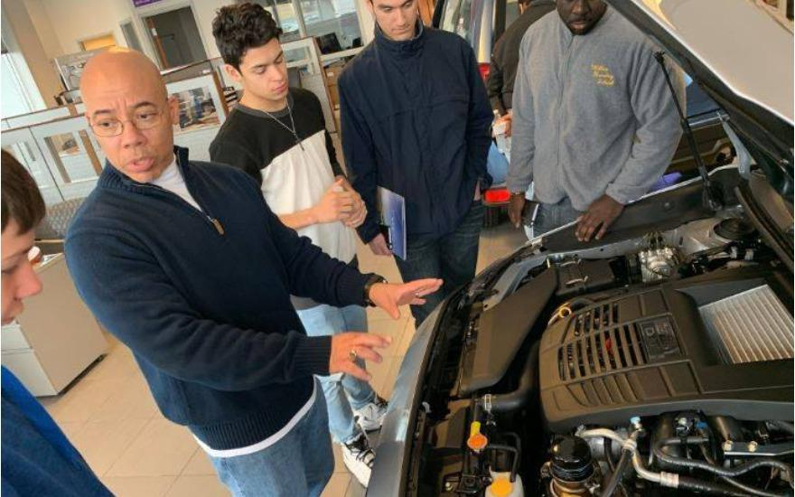 Hands-on car buying seminar for MHS students