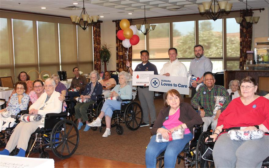 Subaru & LLS Deliver Blankets to Dogwood Residents