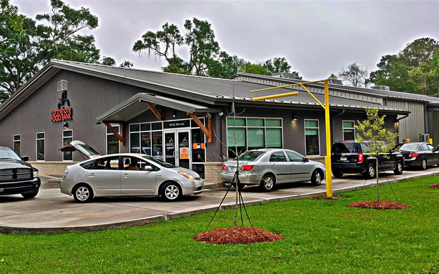 Subaru Loves to Care Supports Northshore Food Bank