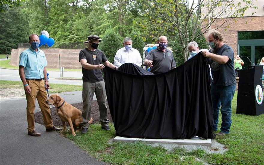 FETCH A Cure unveils steel dog at Deep Run Park