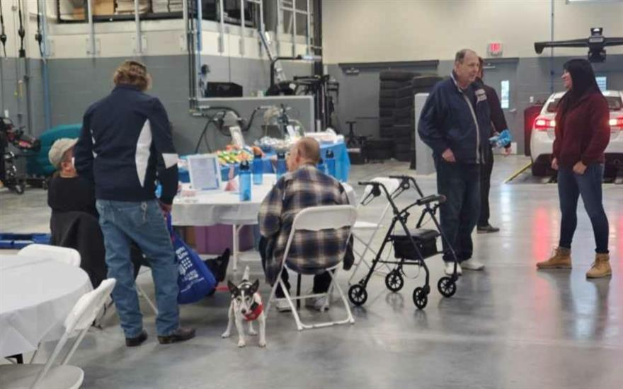 TVS and Guardian Paws Serves Lunch to Veterans!