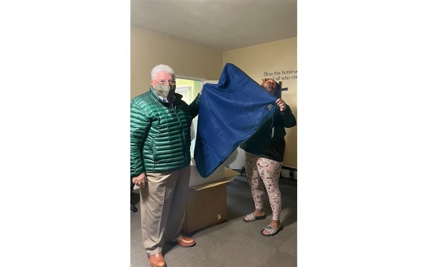 Avis Arbor receives Blanket Donation