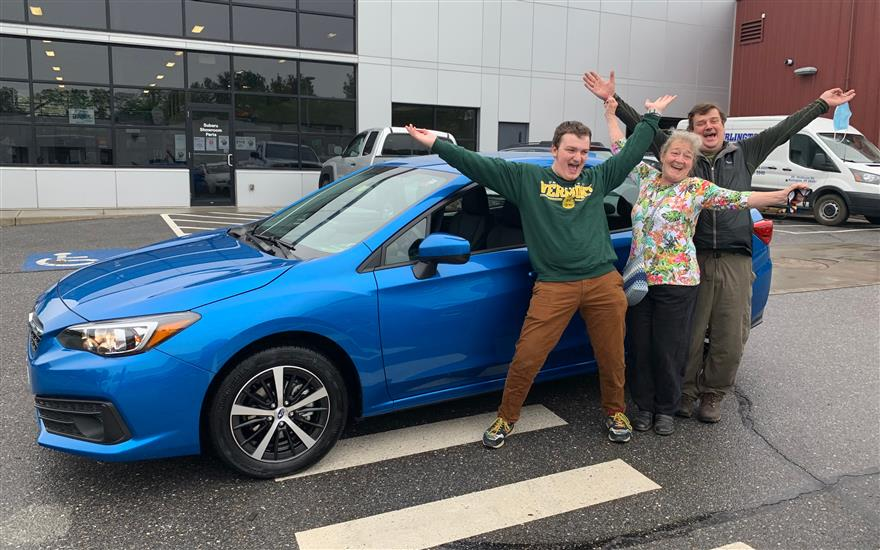 Local High School Students Wins New Subaru!