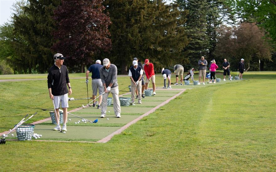 Supporting AQ students through golf tournament