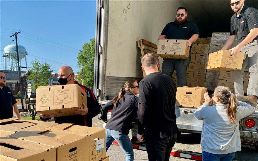 Rescuing and Distributing Food With FeedNC