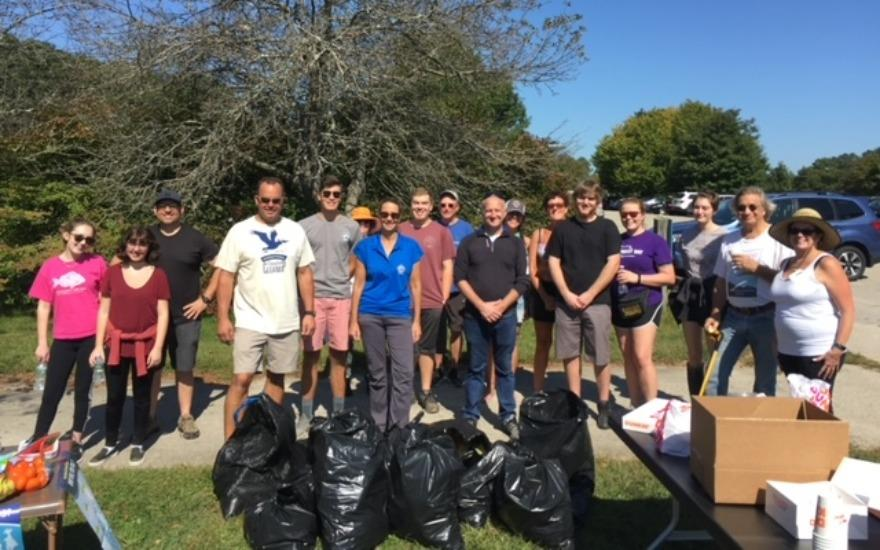 Coastal Cleanup at Rocky Neck